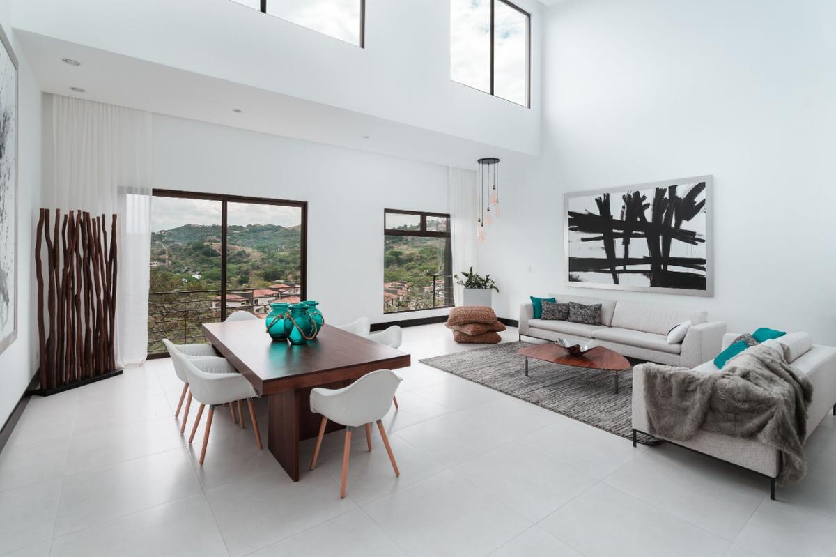 Foto Departamento en Venta en  Santana,  Santa Ana  Apartamento en Santa Ana en exclusivo condominio