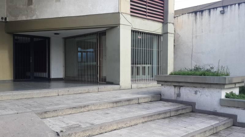 Foto Local en Venta en  San Miguel De Tucumán,  Capital  Av. Ejercito del Norte al 400