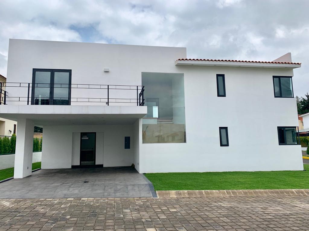Foto Casa en Venta en  Ocoyoacac ,  Edo. de México  Casa nueva en Rincón de los Encinos (junto al Club de Golf)