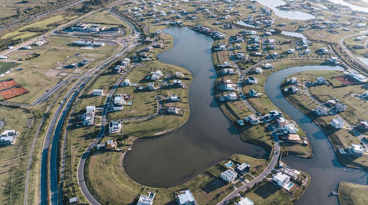 Foto Terreno en Venta en  Puertos del Lago,  Countries/B.Cerrado (Escobar)  Riveras Puertos, Escobar