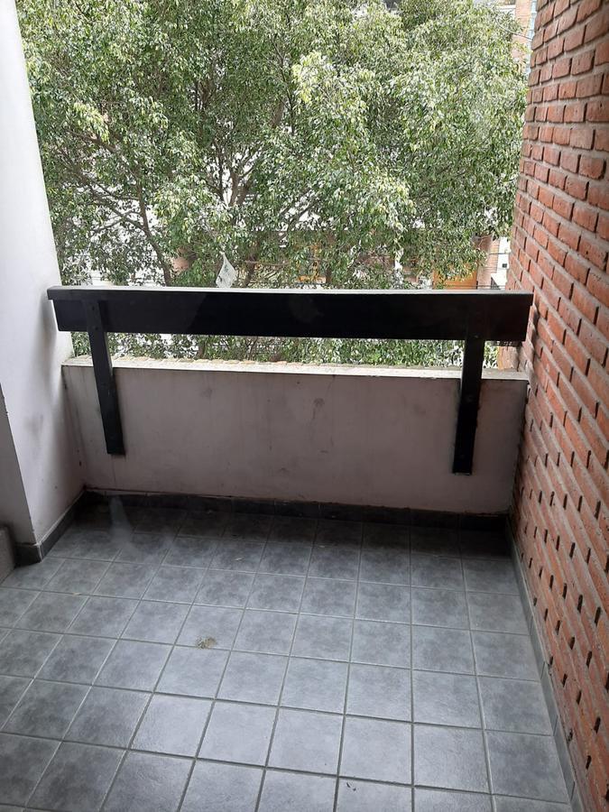 Foto Departamento en Alquiler en  Lomas de Zamora Oeste,  Lomas De Zamora  COLOMBRES 375 2ºB con COCHERA