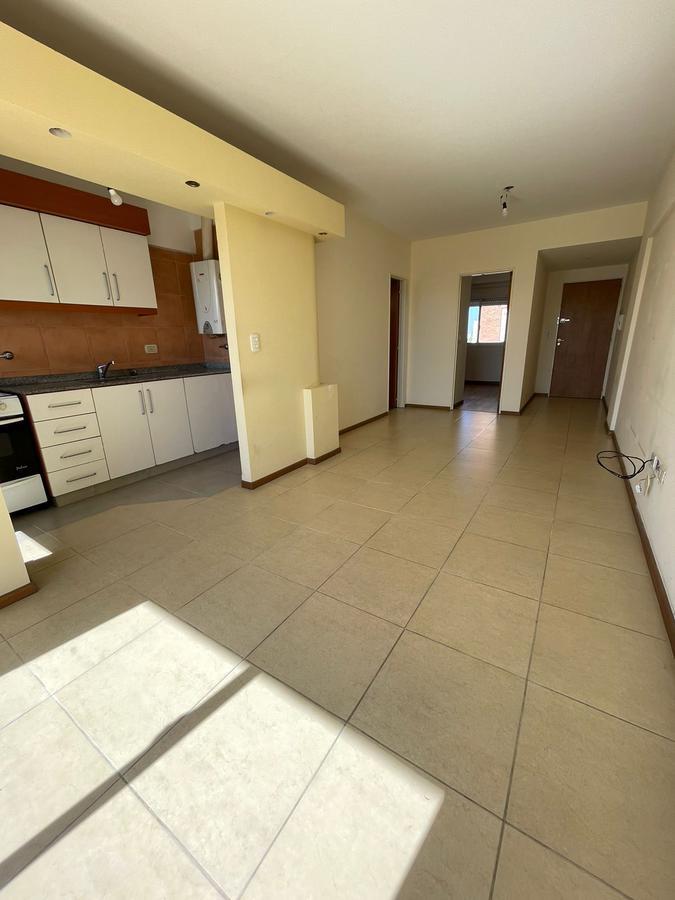 Foto Departamento en Alquiler en  Villa Saenz Peña,  Tres De Febrero  Neuquen 3623 6to 25