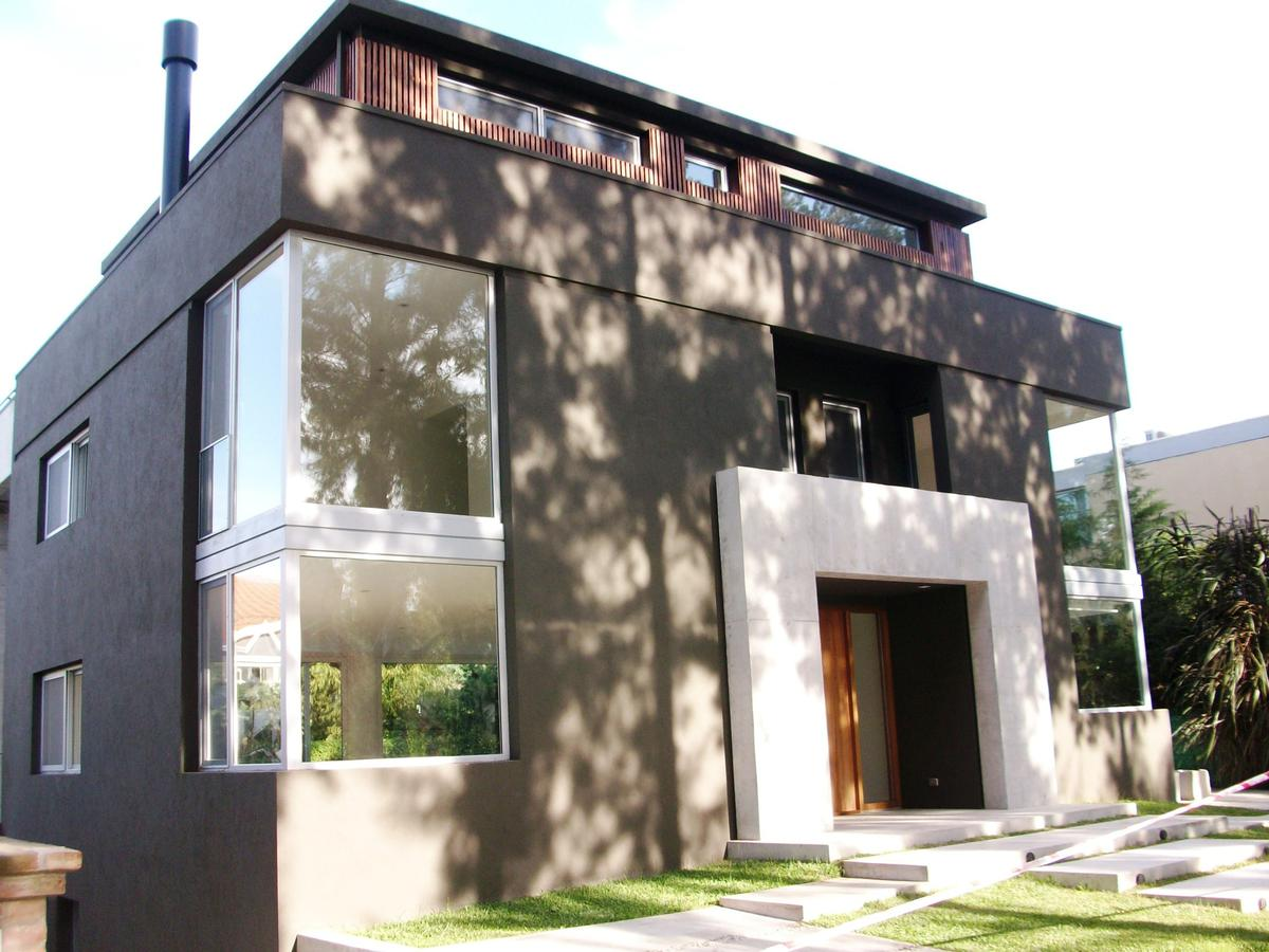 Casa en Alquiler en Marina Canestrari de 5 ambientes