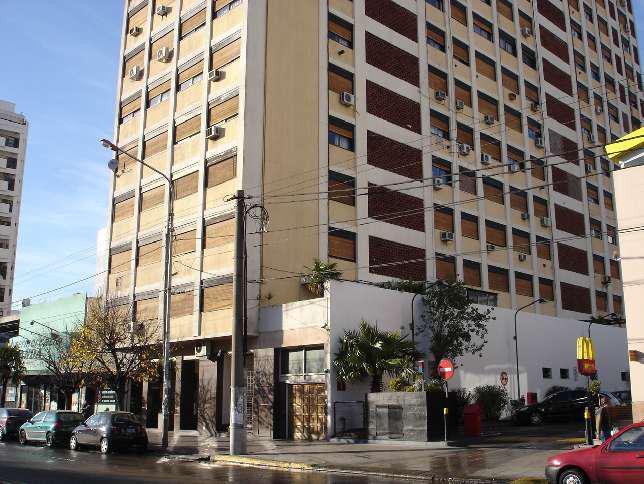Foto Departamento en Alquiler en  Ramos Mejia Sur,  Ramos Mejia  AV. RIVADAVIA al 14300