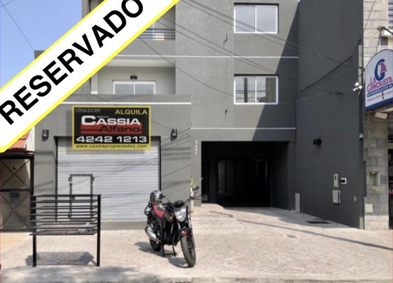 Foto Local en Alquiler en  Lanús Oeste,  Lanús  CAVOUR 3497