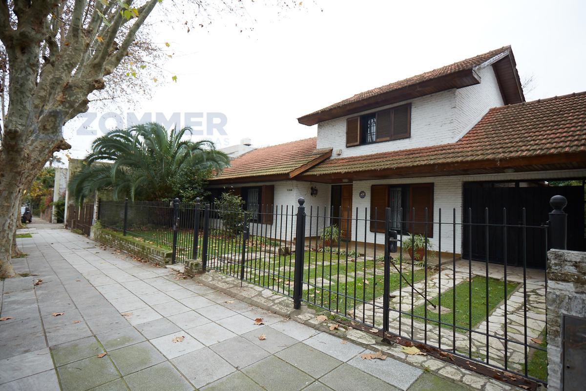 Foto Terreno en Venta en  Barrio Vicente López,  Vicente López  Marconi 1300, Vicente López - Casa en doble lote