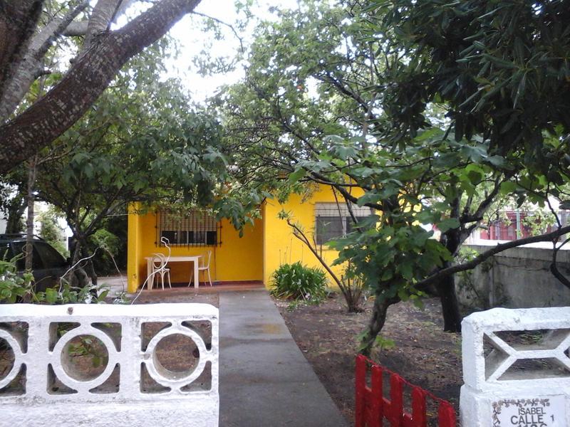 Foto Casa en Venta en  San Clemente Del Tuyu ,  Costa Atlantica  Casa  San Clemente del Tuyú, Calle 1