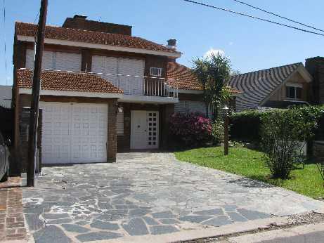 Foto Casa en Venta en  Punta Chica,  San Fernando  AGUADO 2200