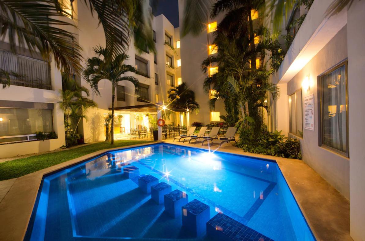 Foto Hotel en Venta en  Quintana Roo ,  Quintana Roo  VENTA EXCELENTE OPORTUNIDAD HOTEL AMBIANCE EN CANCUN