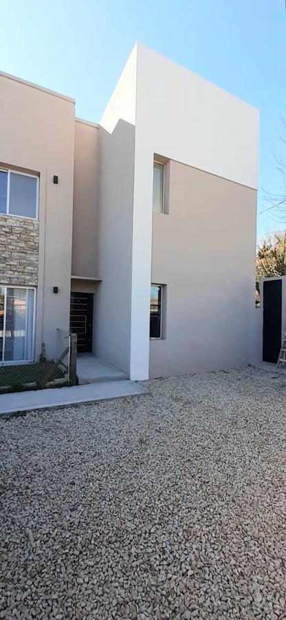 Foto Departamento en Venta en  Los Cardales,  Exaltacion De La Cruz  Duplex en venta Los Cardales - A estrenar