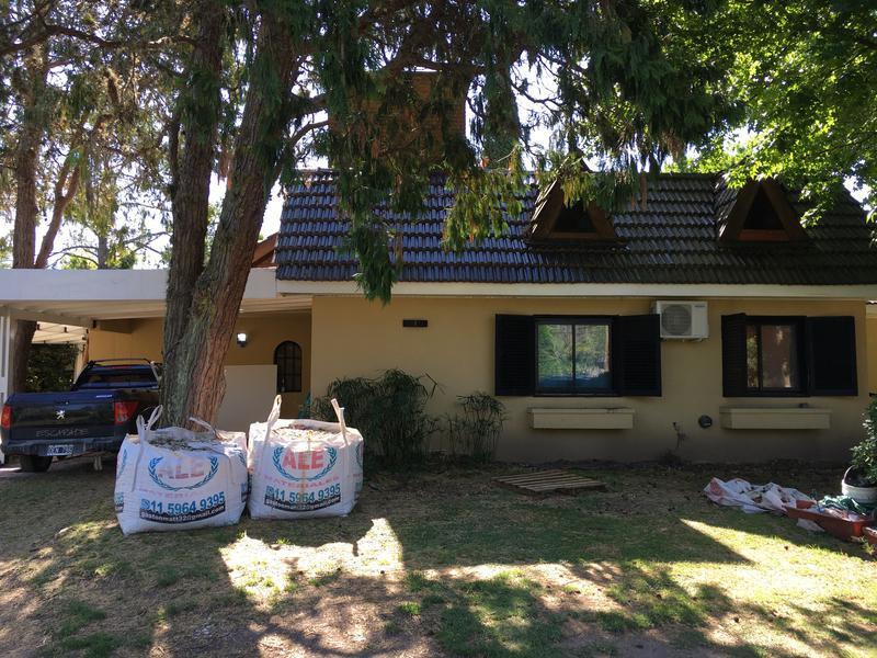 Foto Casa en Venta en  Loma Verde,  Countries/B.Cerrado (Escobar)  Casa en Country Loma verde