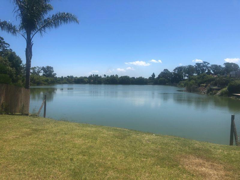 Foto Casa en Venta en  Parque Miramar ,  Canelones  LOS LAGOS 100