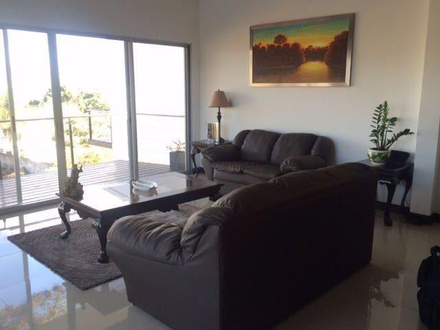 Foto Casa en condominio en Venta | Renta en  Escazu,  Escazu  Espectacular Casa con Amplio Terreno 561m2 y Exc Vista