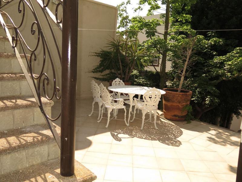 Foto Casa en condominio en Venta en  Gran Jardín,  León  Espectacular residencia en VENTA en Gran Jardín con 3 recámaras, alberca, bar, y mas!!!