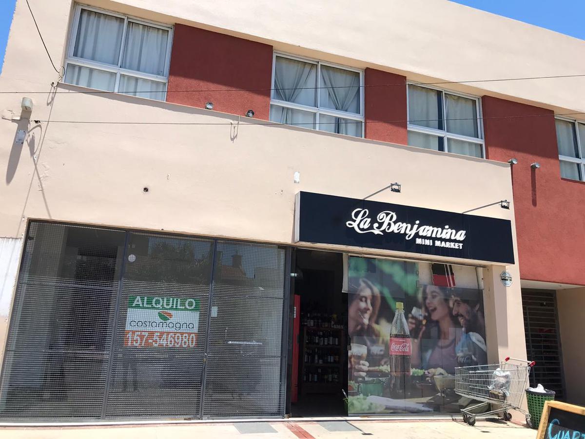 Foto Local en Alquiler en  Poeta Lugones,  Cordoba  Local Comercial - Apto Gastronomía - Bº Poeta Lugones