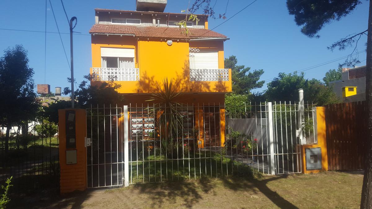Foto Casa en Venta en  San Bernardo Del Tuyu ,  Costa Atlantica  Madariaga 2143