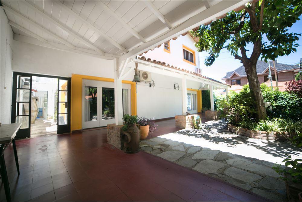Foto Casa en Venta en  Mart.-Vias/Santa Fe,  Martinez  ALBARELLOS al 2600