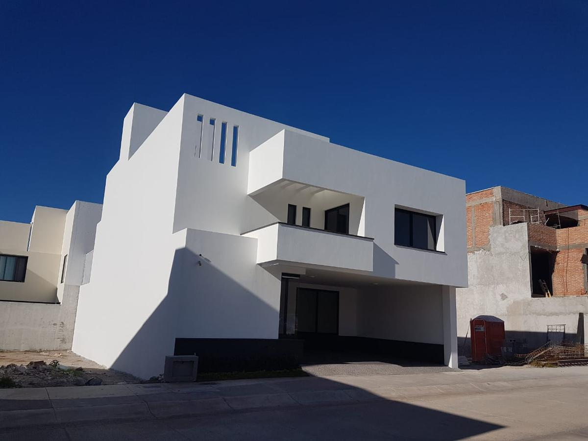 Foto Casa en Renta en  San Luis Potosí ,  San luis Potosí  HERMOSA CASA EN VENTA Y RENTA EN ALTO LAGO, SAN LUIS POTOSI