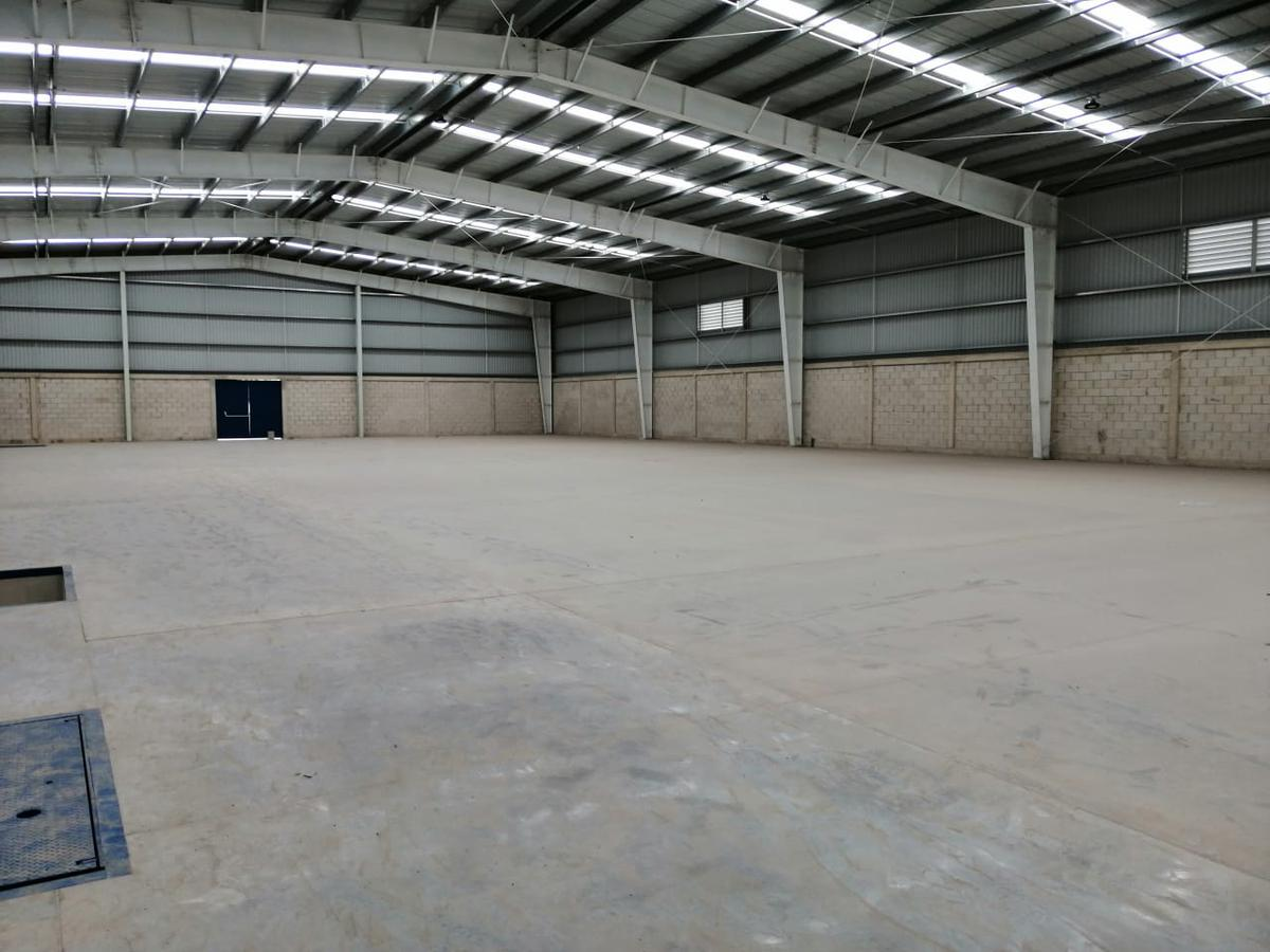 Foto Bodega Industrial en Renta en  San Antonio,  Mérida  Bodega en renta de 600 m² o múltiplos hasta 4,200 m² cerca de Periférico en el norte de Mérida