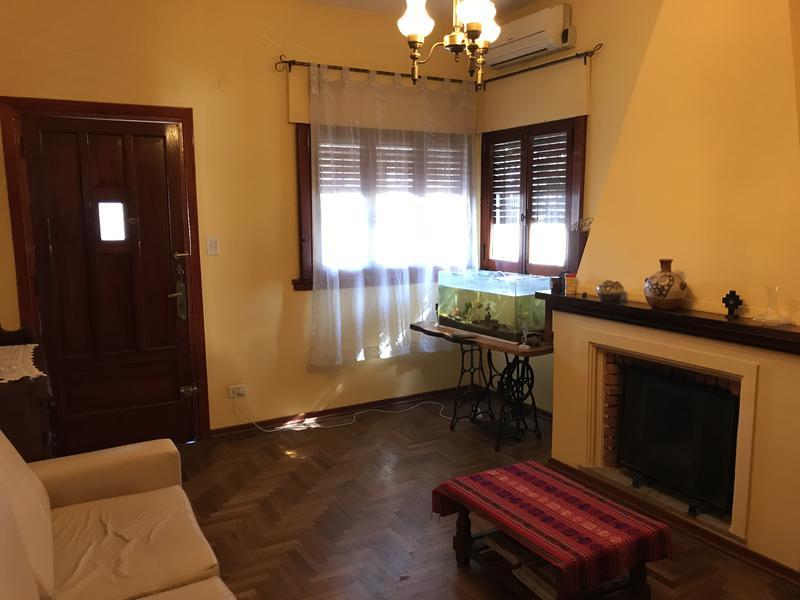 Foto Casa en Venta en  Temperley Este,  Temperley  CARLOS CASARES 678