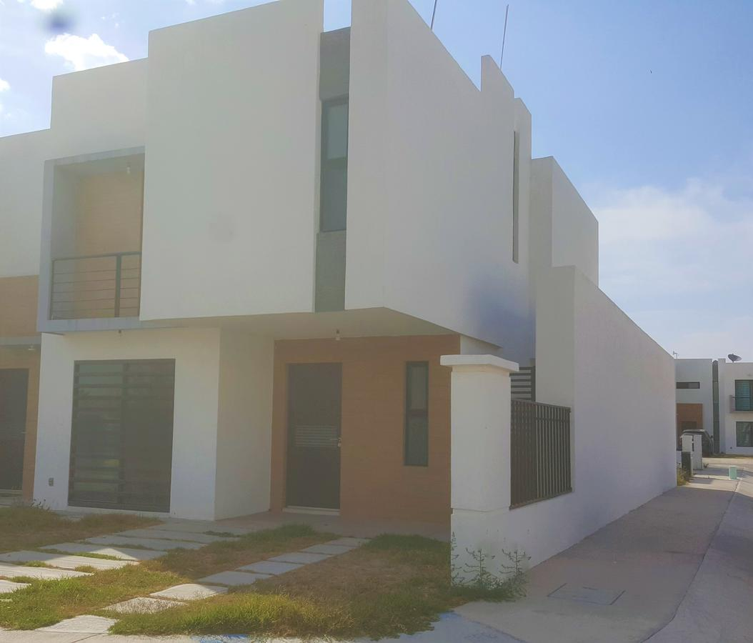 Foto Casa en Renta en  Los Lagos,  San Luis Potosí  Casa en renta residencial Azul los lagos, muy cerca de la zona industrial