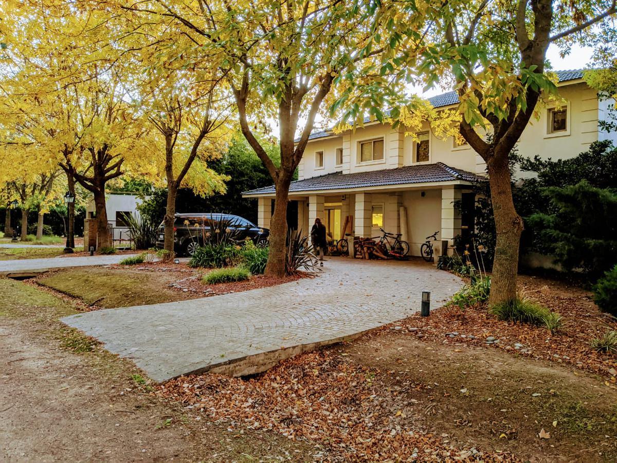 Foto Casa en Venta en  La Plata ,  G.B.A. Zona Sur  Haras del Sur I