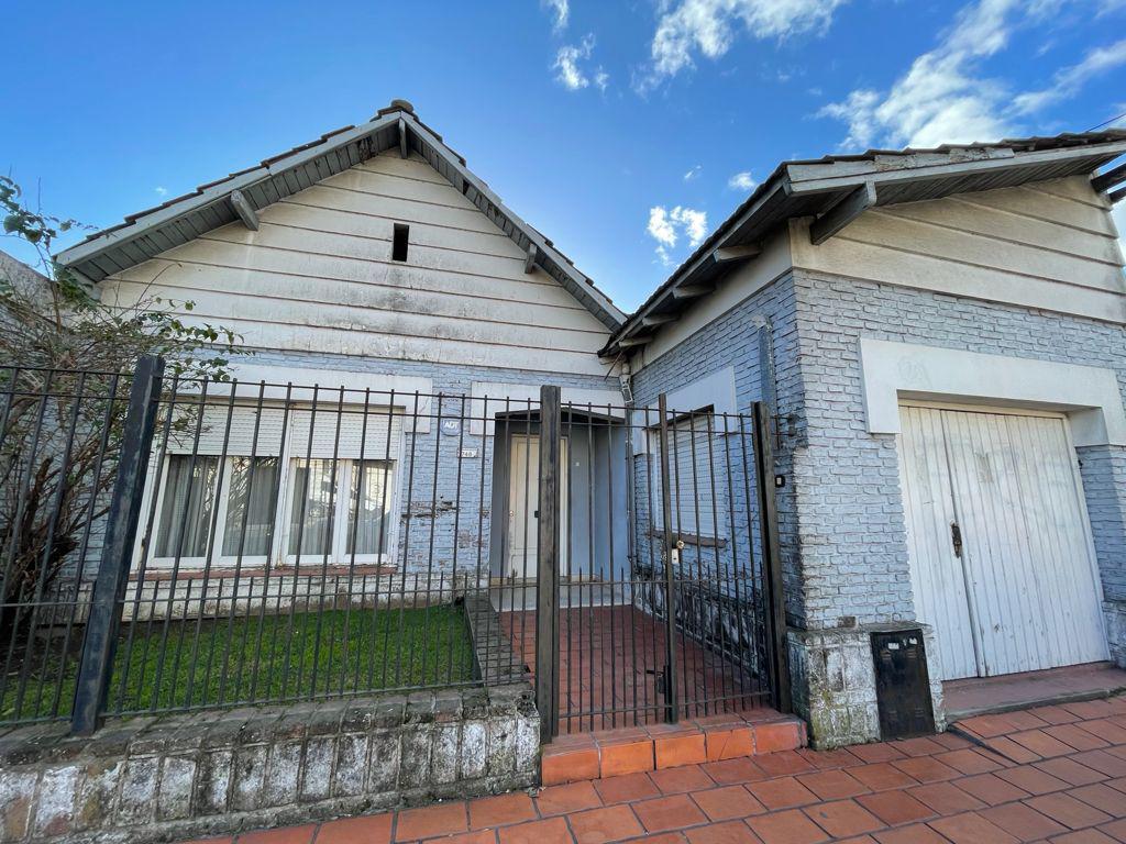 Foto Casa en Venta en  Bella Vista,  San Miguel  Av. San Martín al 700