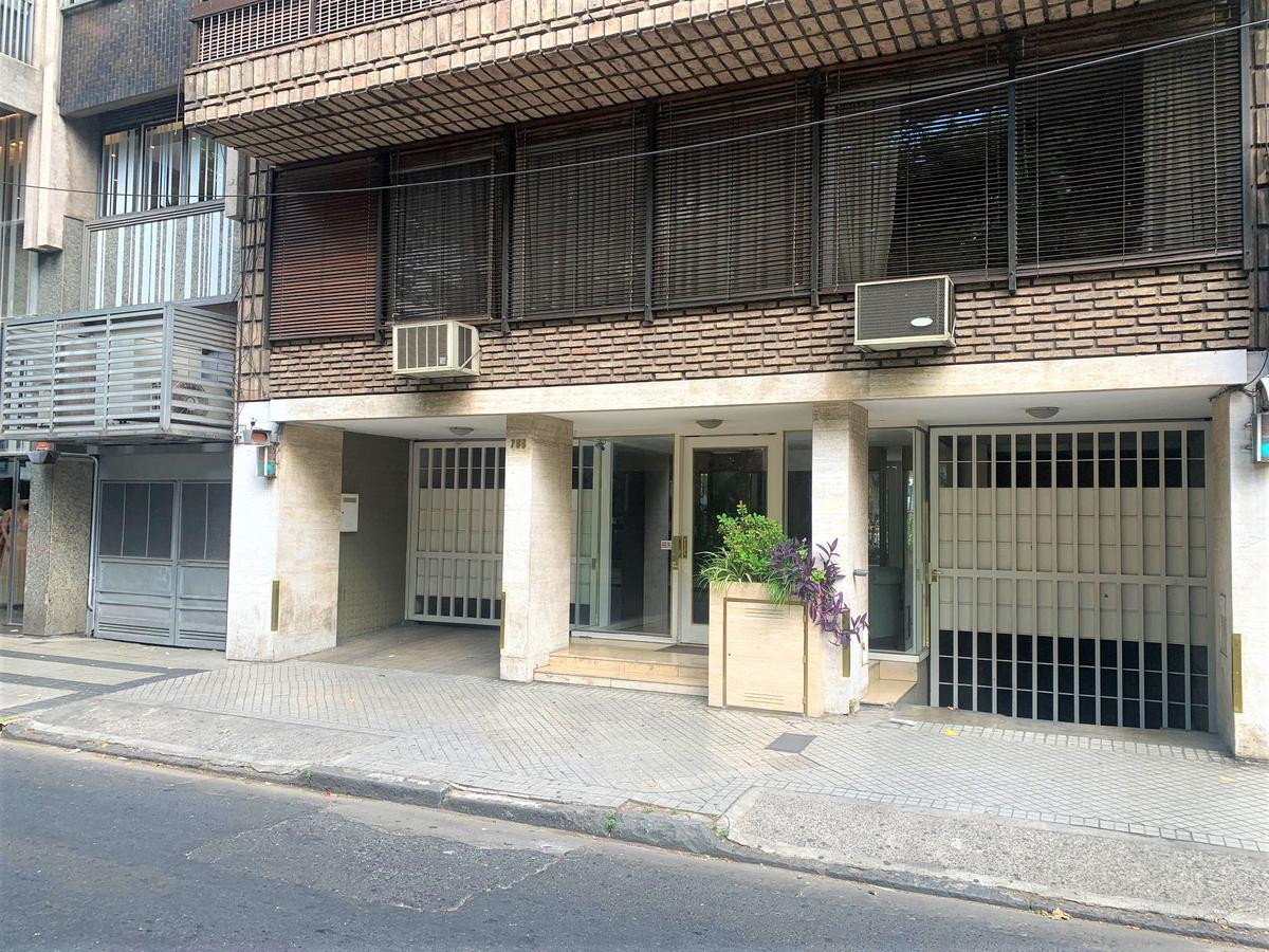 Foto Cochera en Venta en  Centro,  Rosario  Pte. Roca 782