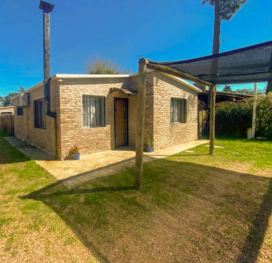 Foto Casa en Alquiler en  Salinas ,  Canelones  Muy próxima a Ruta Interbalnearia y Avenida Colón