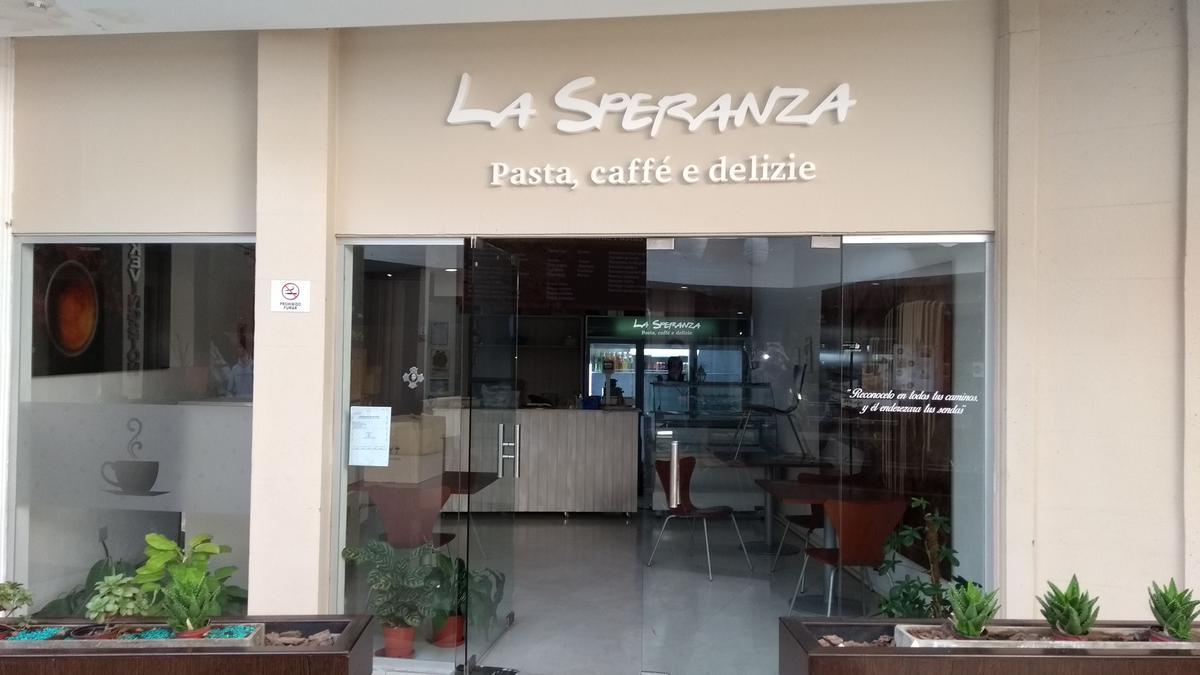 Foto Local en Venta en  Berazategui ,  G.B.A. Zona Sur  CENTRO COMERCIAL