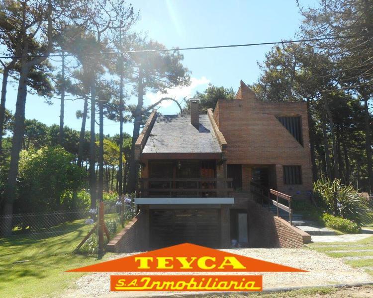 Foto Casa en Alquiler temporario en  Lasalle,  Pinamar  AV Libertador 2778 E/Chingolo y Garzas