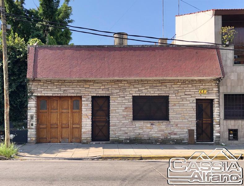 Foto Casa en Venta en  Remedios De Escalada,  Lanus  URIARTE 173