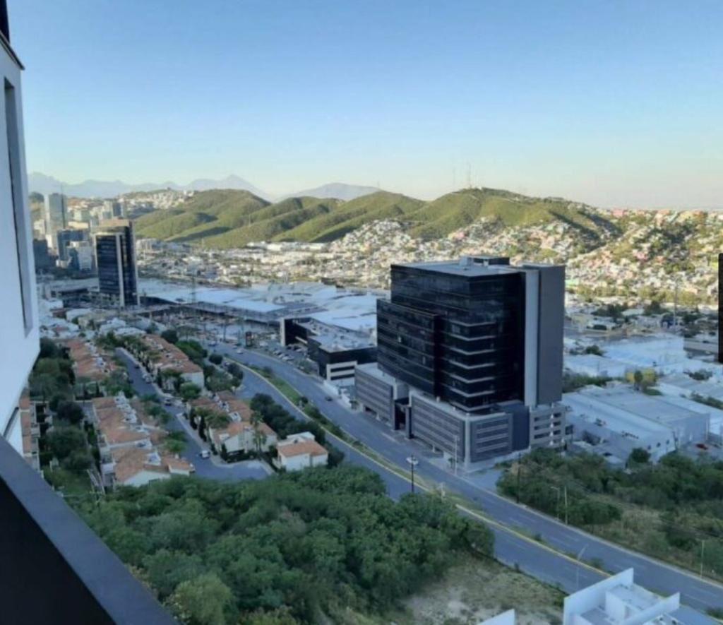 Foto Departamento en Renta en  Monterrey ,  Nuevo León  Deoartemento en Renta, Av. Fundadores, Monterrey