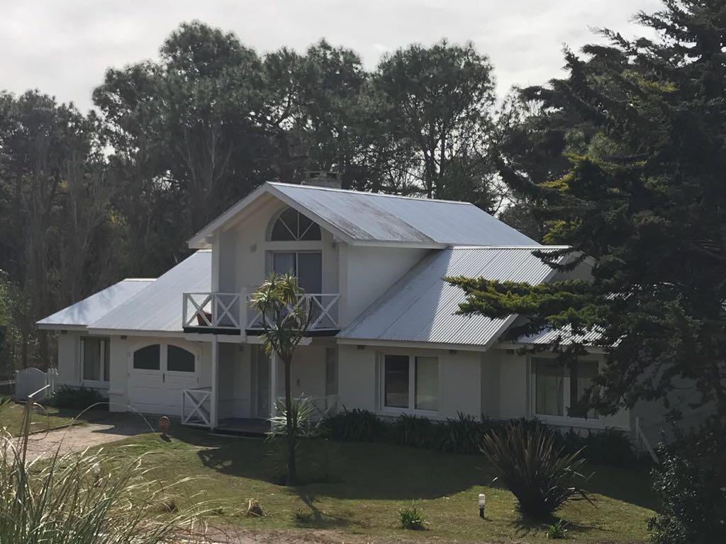 Foto Casa en Venta en  Carilo,  Pinamar  MIMBRE entre AVUTARDA y AVESTRUZ