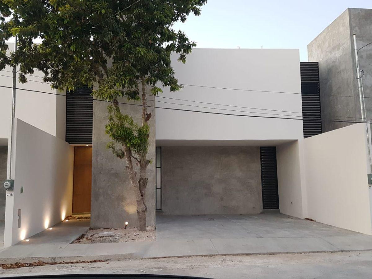 Foto Casa en Venta en  Pueblo Santa Maria Chi,  Mérida          Casa en venta en Merida, cerca de Macroplaza, es de dos habits y PISCINA