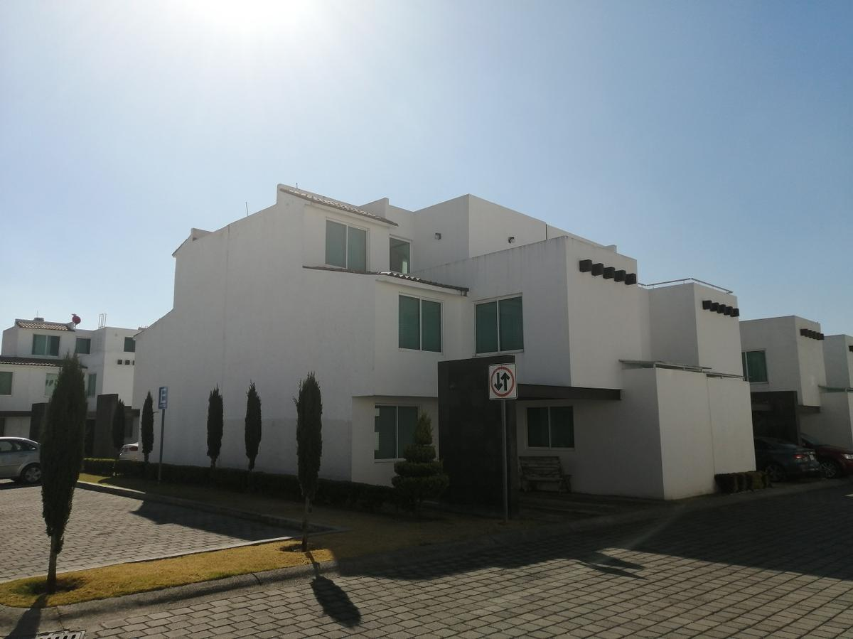 Foto Casa en Renta en  Santa María,  San Mateo Atenco  Bonita Casa en Renta, Quinta Regina,  Col. Santa María, San Mateo Atenco.