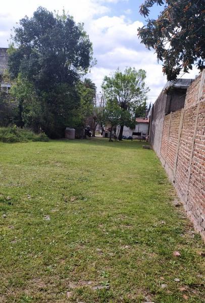 Foto Terreno en Venta en  Castelar,  Moron  Viamonte al 2400