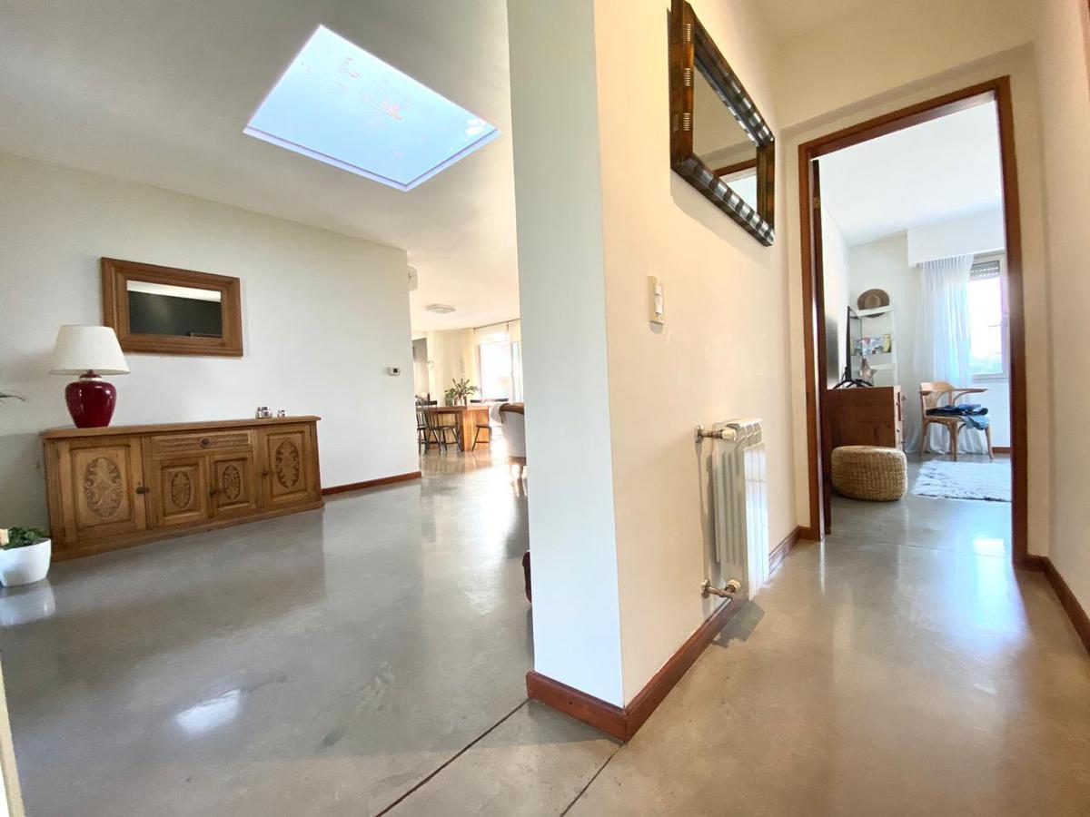 Casa de 2 dormitorios con pileta - Amplio jardín  - Aldea