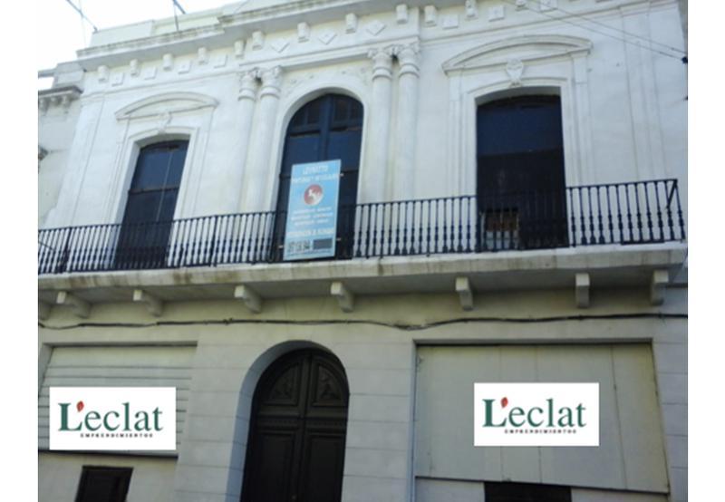 Foto Casa en Venta en  Ciudad Vieja ,  Montevideo  Casona más 2 Locales - Colon y Cerrito