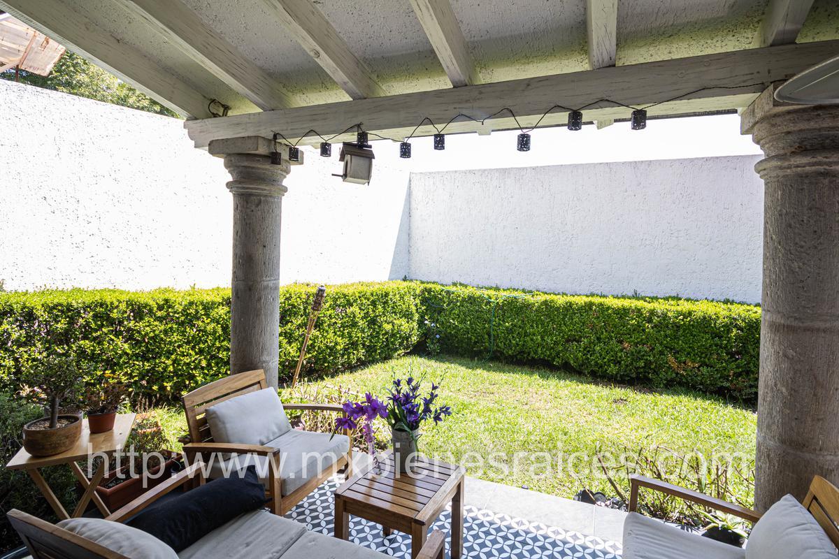 Foto Casa en Venta en  Lomas de las Palmas,  Huixquilucan  Lomas de las Palmas reestrena preciosa casa, practicamente en una sola planta