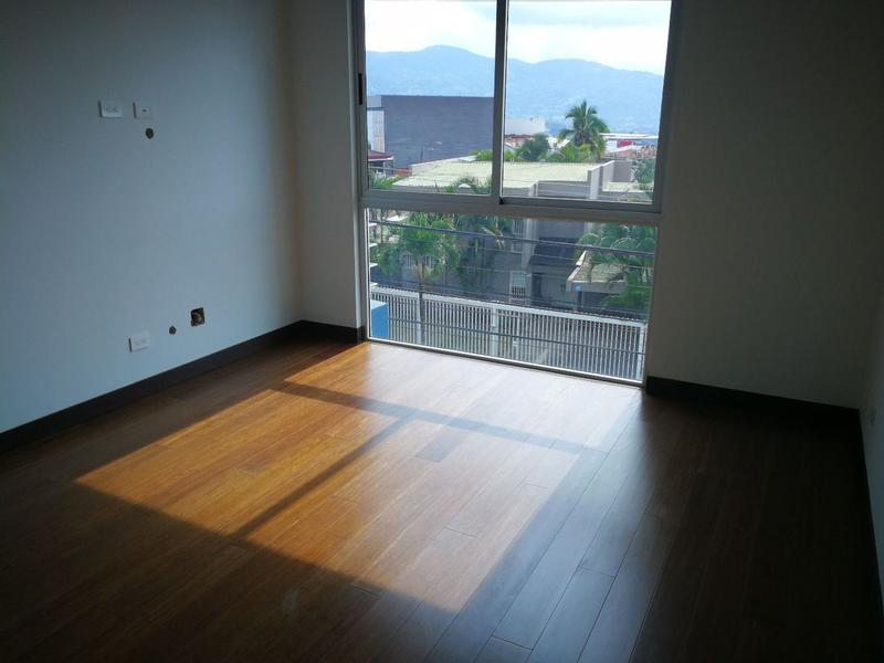 Foto Departamento en Venta en  Mata Redonda,  San José  Apartamento en 3er Piso en NUNCIATURA