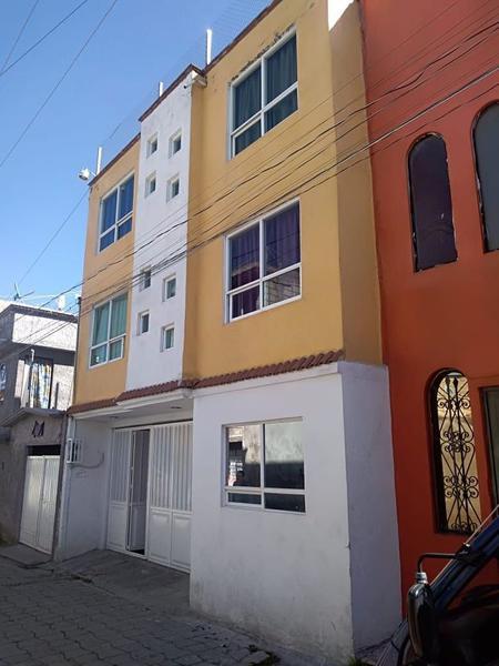 Foto Edificio Comercial en Venta en  San Buenaventura,  Toluca  Edificio ideal para casa de huéspedes u oficinas en San Buenaventura, Toluca, Estado de México