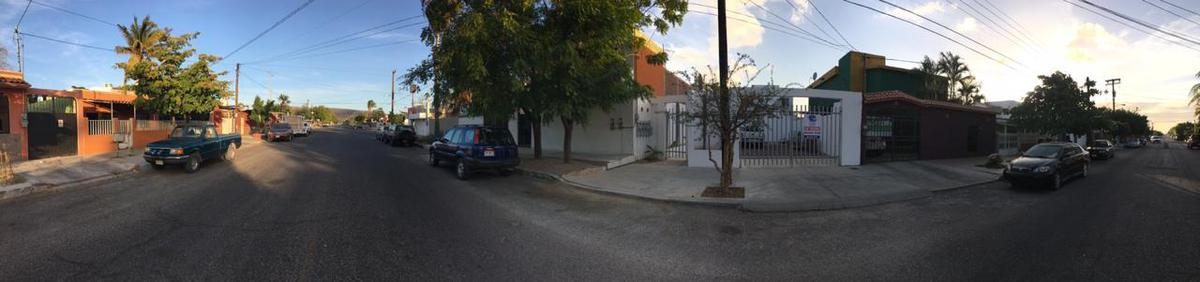Foto Casa en Venta en  Los Olivos,  La Paz  CASA LEGASPI CON ALBERCA Y 2 DEPARTAMENTOS