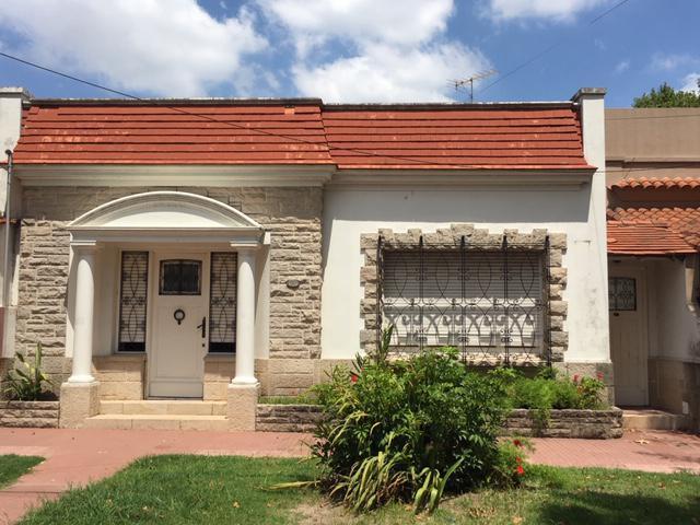 Foto Casa en Alquiler en  Temperley Este,  Temperley  Angel Gallardo al 600