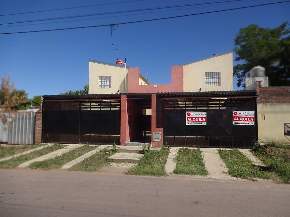 Foto Departamento en Alquiler en  General Pico,  Maraco  17 e/ 122 y 124   D1