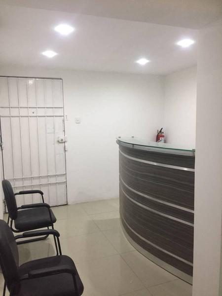Foto Oficina en Venta en  La Molina,  Lima  Paralela a Av. Arequipa cdra 18