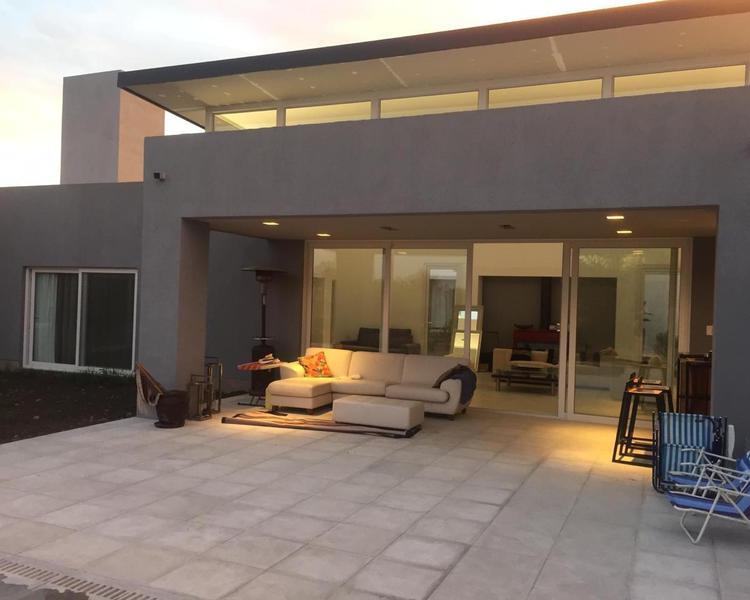 Foto Casa en Alquiler en  La Plata ,  G.B.A. Zona Sur  La Plata