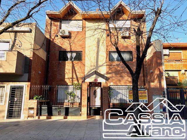 Foto Departamento en Alquiler    en  Flores ,  Capital Federal  QUIRNO 554