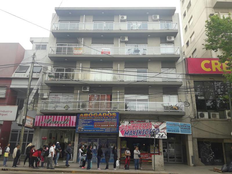 Foto Departamento en Venta en  San Miguel ,  G.B.A. Zona Norte  Sarmiento 1675 a metros Plaza San Miguel - MONOAMBIENTE - APTO PROFESIONAL - APTO CREDITO HIPOTECARIO