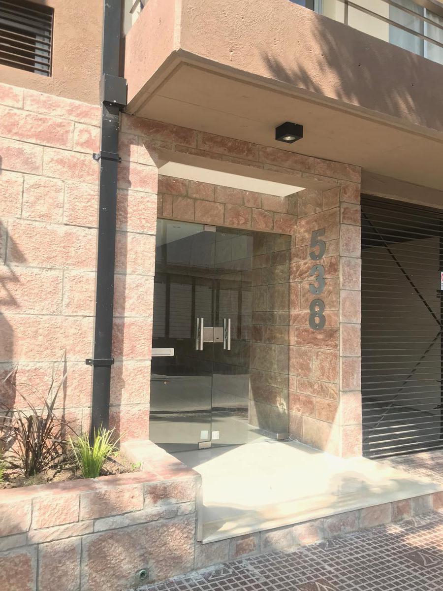 Foto Departamento en Alquiler en  S.Fer.-Vias/Centro,  San Fernando  Belgrano al 500